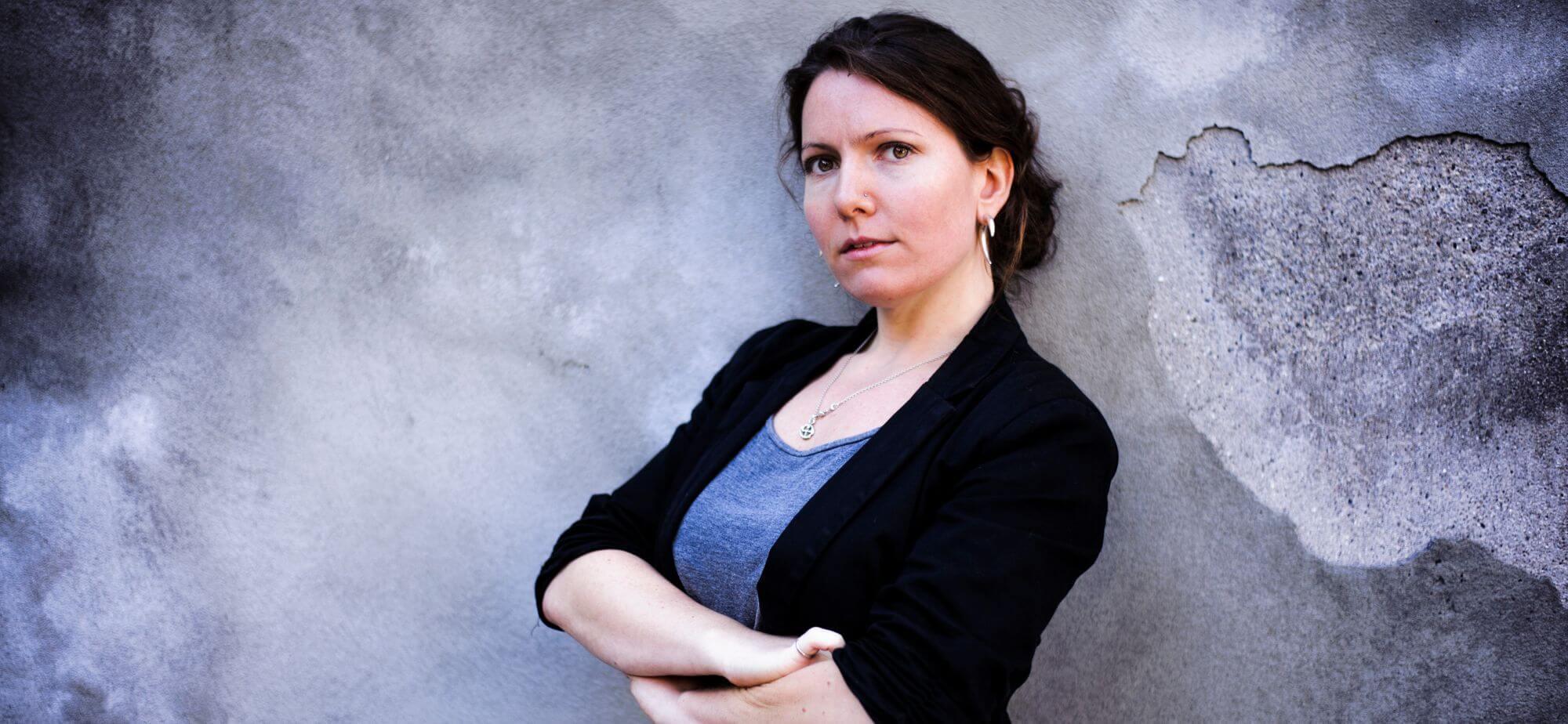 """""""Dø, din fucking bitch!"""" Freja Wedenborg om digital chikane af journalister."""